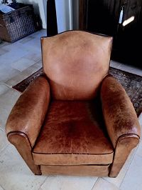 tearing back club armchair